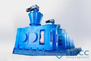 Dry roll press granulator